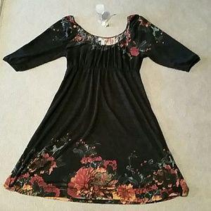 Softest dress ever w/floral design!!